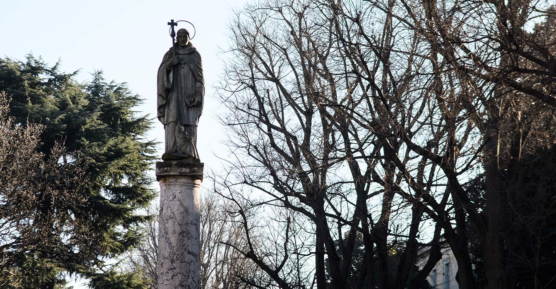 a-novara-monumento-a-san-bernardo