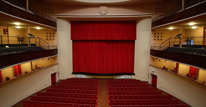 Interno Teatro Faraggiana